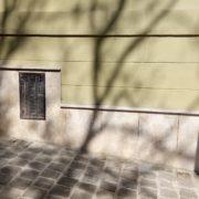 Budapest Franklin utca budakalászi mészkő lábazat